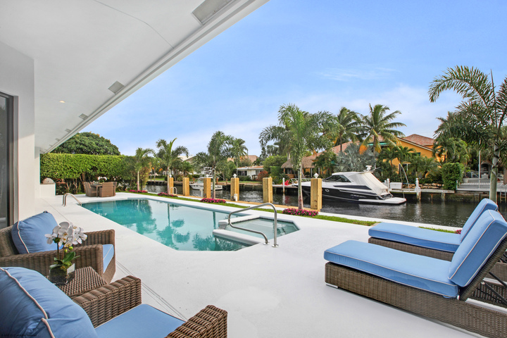 LIVING ON THE SOUTH FLORIDA INTRACOASTAL WATERWAY: EVERYTHING TO KNOW