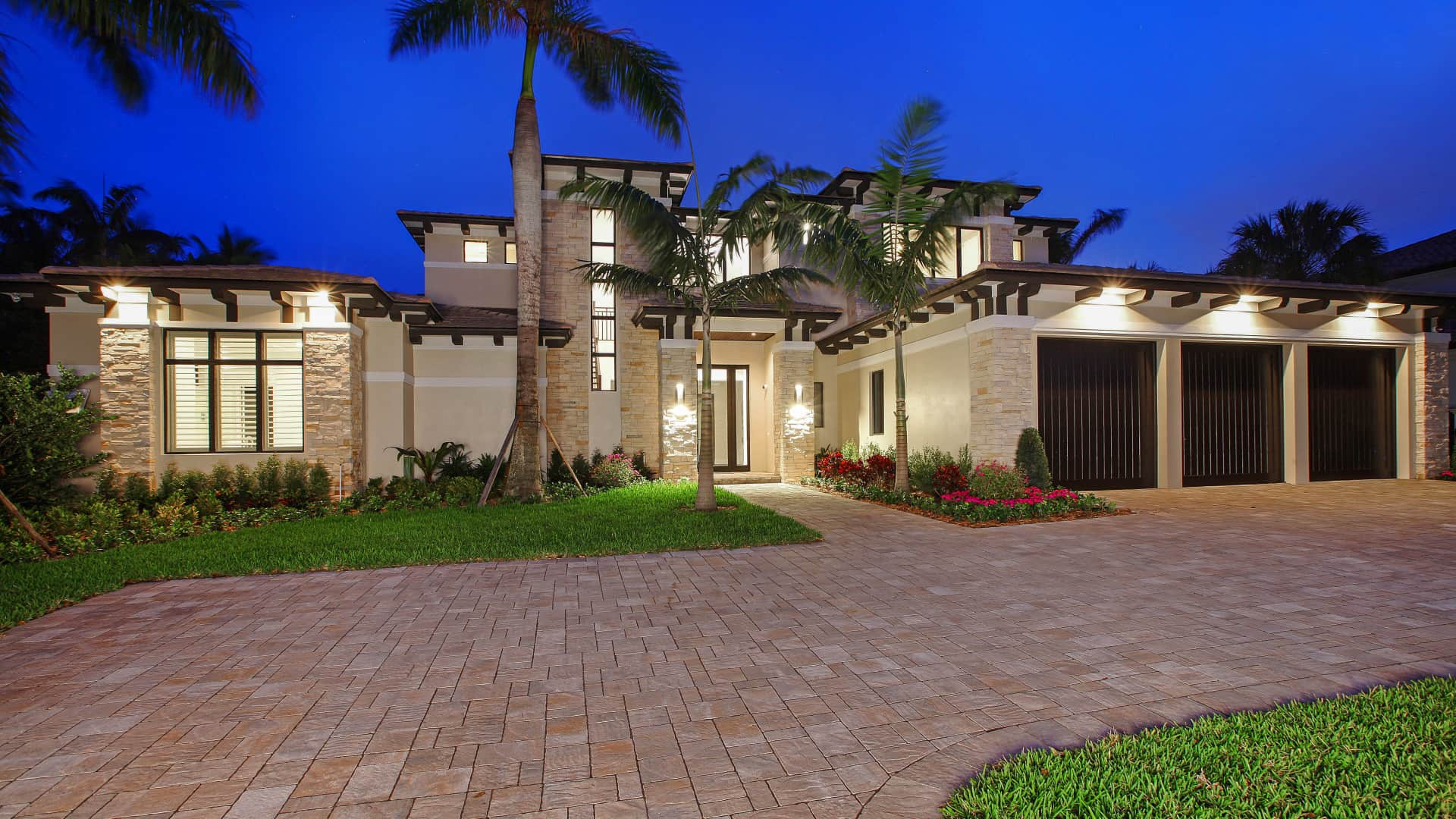 TIPS FOR CHOOSING A LUXURY HOME BUILDER