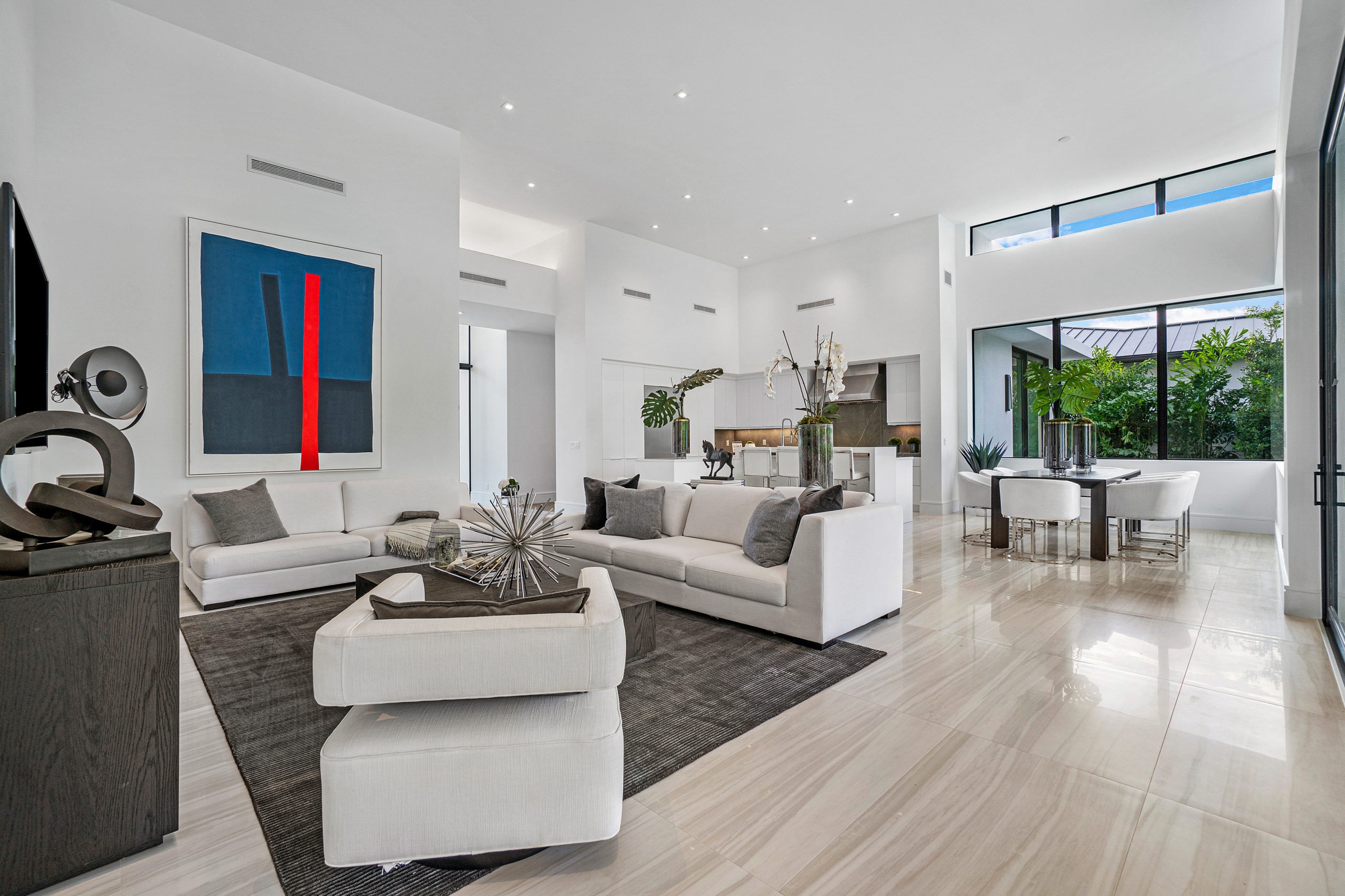 OPEN FLOOR PLAN OR TRADITIONAL HOME LAYOUT?