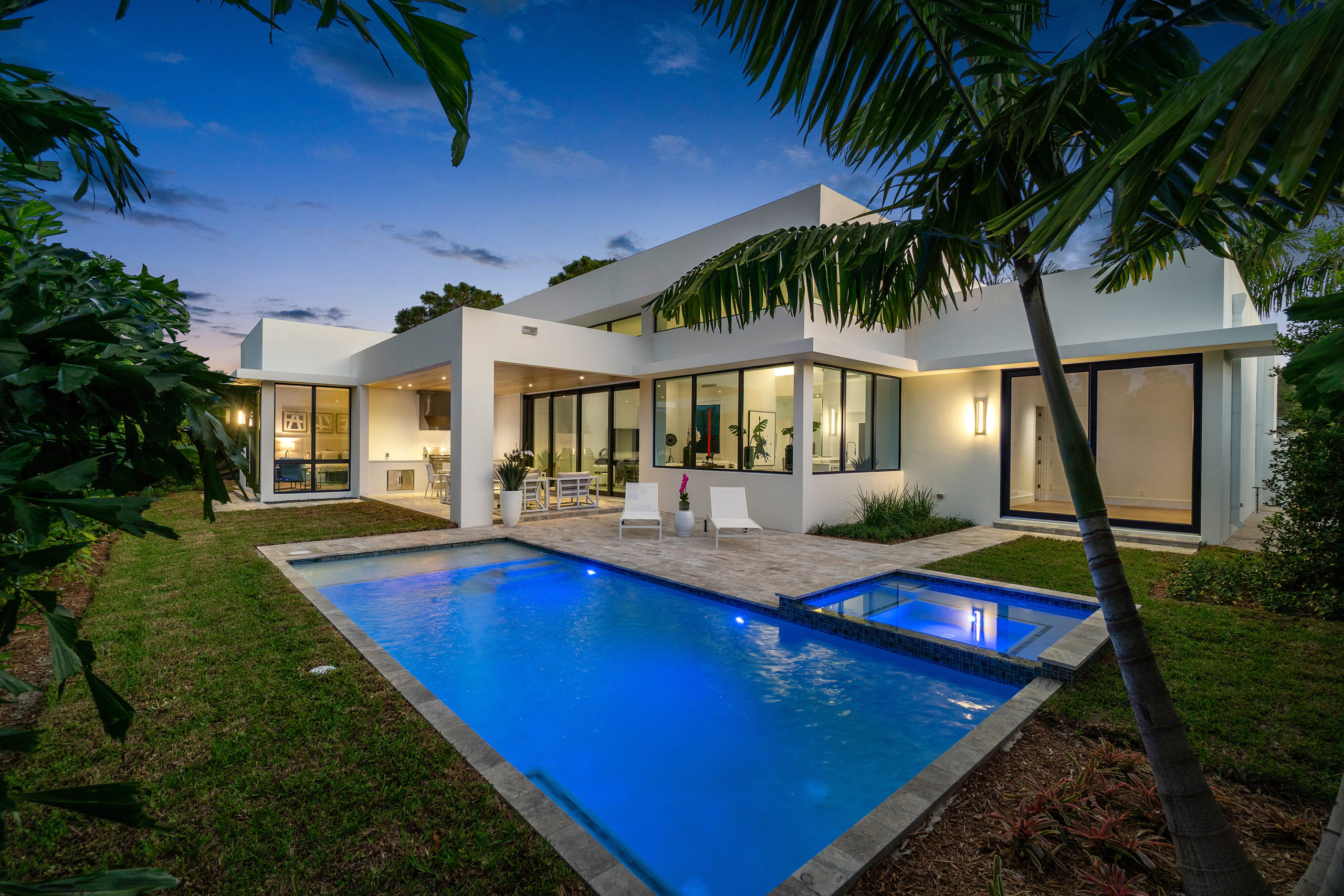 A LOOK INTO PALM BEACH'S REAL ESTATE MARKET
